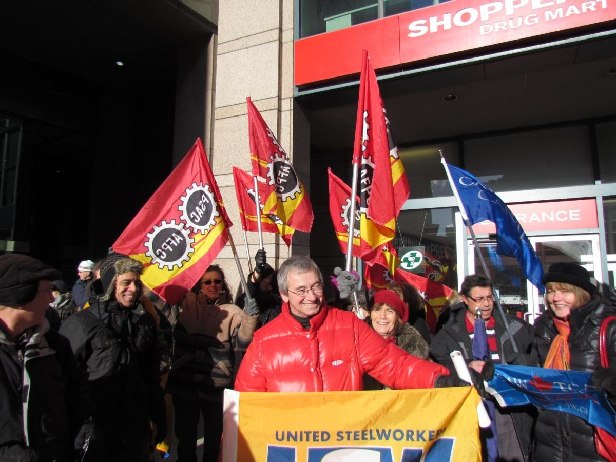 Canadian unions demonstrate in front of the Mexican Embassy in Ottawa